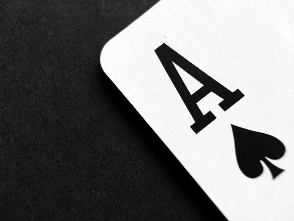 Et spillekort - spar es